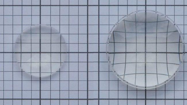 Kleine Linse (links) verzerrt das Bild kaum; Größere Linse (links) verzerrt stark
