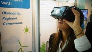 Stadtwerke_berlin_energietage Frau mit VR-Brille
