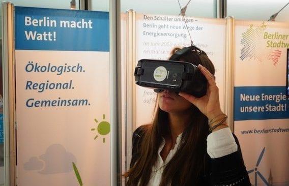 360_Grad-Video-Stadtwerke_berlin_energietage Frau mit VR-Brille