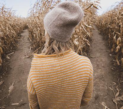 Frau im Feld