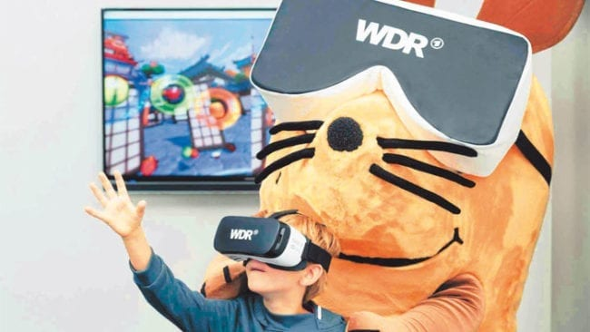 Maus mit VR-Brille